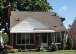 Foreclosed Home en LINCOLN AVE, Eastpointe, MI - 48021