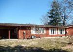 Foreclosed Home en E MAIN ST, Carlinville, IL - 62626