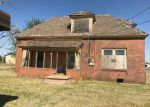 Foreclosed Home en N CHALMERS ST, Altus, OK - 73521