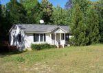 Foreclosed Home en BAYLOR DR, Montross, VA - 22520