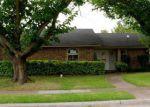 Foreclosed Home en GLENCREST LN, Garland, TX - 75040