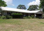 Foreclosed Home en N CHEVIS ST, Rayne, LA - 70578