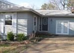 Foreclosed Home en E WAKETA DR, Cherokee Village, AR - 72529