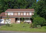 Foreclosed Home en SOUTHBURY RD, Clifton Park, NY - 12065