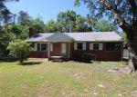 Foreclosed Home en SUNSHINE RD, Ruther Glen, VA - 22546