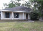 Foreclosed Home en PARLANGE DR, Destrehan, LA - 70047