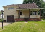 Foreclosed Home en OAKVIEW ST NW, Massillon, OH - 44646