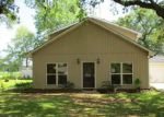 Foreclosed Home en WILREE DR, New Iberia, LA - 70560