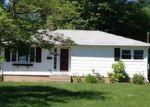 Foreclosed Home en CONRAD ST, Naugatuck, CT - 06770