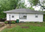 Foreclosed Home en W 4TH AVE, Indianola, IA - 50125