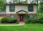 Foreclosed Home en ROYAL OAKS ST, Huntsville, TX - 77320