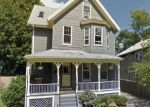 Foreclosed Home en CATHERINE ST, Roslindale, MA - 02131