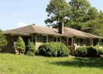 Foreclosed Home en CAT CREEK RD, Franklin, NC - 28734