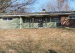 Foreclosed Home en N HIGHLAND AVE, Kansas City, MO - 64118