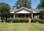 Foreclosed Home en MEADOW HILL RD, Sheffield, AL - 35660