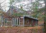 Foreclosed Home en GRAVELLY HILL RD, Wakefield, RI - 02879