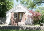 Foreclosed Home en WAYNE RD, Livonia, MI - 48150