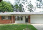 Foreclosed Home en KINGSBURY ST, Livonia, MI - 48154