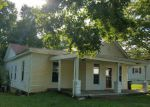 Foreclosed Home en SPRING ST, Charlestown, IN - 47111