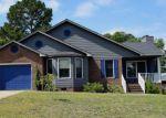 Foreclosed Home en EDGEGROVE CIR, Hope Mills, NC - 28348