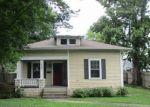 Foreclosed Home en DOUGLAS AVE, Versailles, KY - 40383