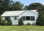 Foreclosed Home en OLD MEETING HOUSE RD, East Falmouth, MA - 02536