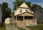 Foreclosed Home en ROYCROFT AVE, Lakewood, OH - 44107
