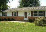 Foreclosed Home en BRADY LN, Mount Jackson, VA - 22842