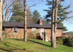 Foreclosed Home en GOLF COURSE RD, Waverly, OH - 45690