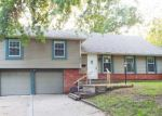 Foreclosed Home en SMALLEY AVE, Grandview, MO - 64030