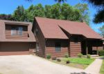 Foreclosed Home en W MARGUERITE LN, Zion, IL - 60099