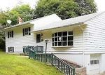 Foreclosed Home en CAYWOOD RD, Poughkeepsie, NY - 12603