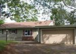 Foreclosed Home en ARPIN LN, Jewett City, CT - 06351