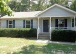 Foreclosed Home en BRISTLE CONE LN, Ruther Glen, VA - 22546