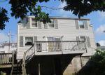 Foreclosed Home en PEACE ST, Danbury, CT - 06810