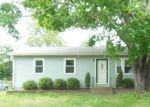 Foreclosed Home en ANDERSON AVE, Coventry, RI - 02816