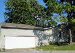 Foreclosed Home en TUNNEL HILL RD, Ozark, IL - 62972