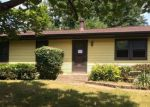 Foreclosed Home en IROQUOIS AVE, Rockford, IL - 61102