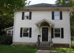 Foreclosed Home en E 10TH AVE, Winfield, KS - 67156