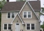 Foreclosed Home en TULLAMORE RD, Cleveland, OH - 44118