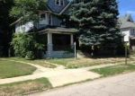 Foreclosed Home en E 111TH ST, Cleveland, OH - 44108