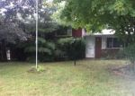 Foreclosed Home en E 16TH PL, Indianapolis, IN - 46219
