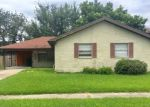 Foreclosed Home en NAPOLI DR, Metairie, LA - 70002