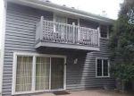 Foreclosed Home en W TUCKAWAY CREEK DR, Franklin, WI - 53132