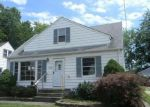 Foreclosed Home en ROBERT ST, Wickliffe, OH - 44092
