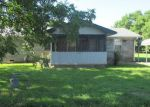 Foreclosed Home en OLIVE ST, Heavener, OK - 74937