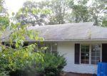 Foreclosed Home en LINFIELD CIR, Lincoln, RI - 02865