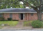 Foreclosed Home en WALNUT DR, Bay City, TX - 77414