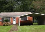 Foreclosed Home en N MICHAUD ST, Carencro, LA - 70520