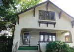 Foreclosed Home en N TAYLOR AVE, Oak Park, IL - 60302